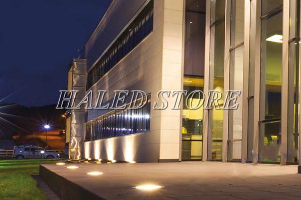 Ứng dụng chiếu sáng của đèn LED âm đất HLDAUG1-15 RGB